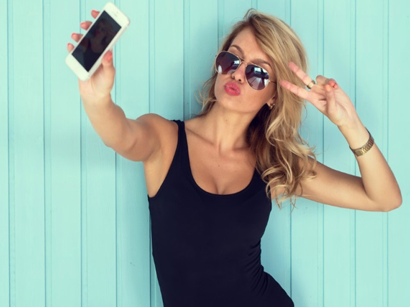 Photo of Selfie Obsession Might Cause Selfie Elbow Disease