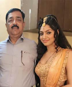 actress akanksha father