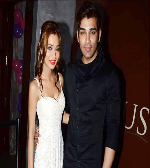paras chhabra ex girlfriend, paras chhabra and sara khan,